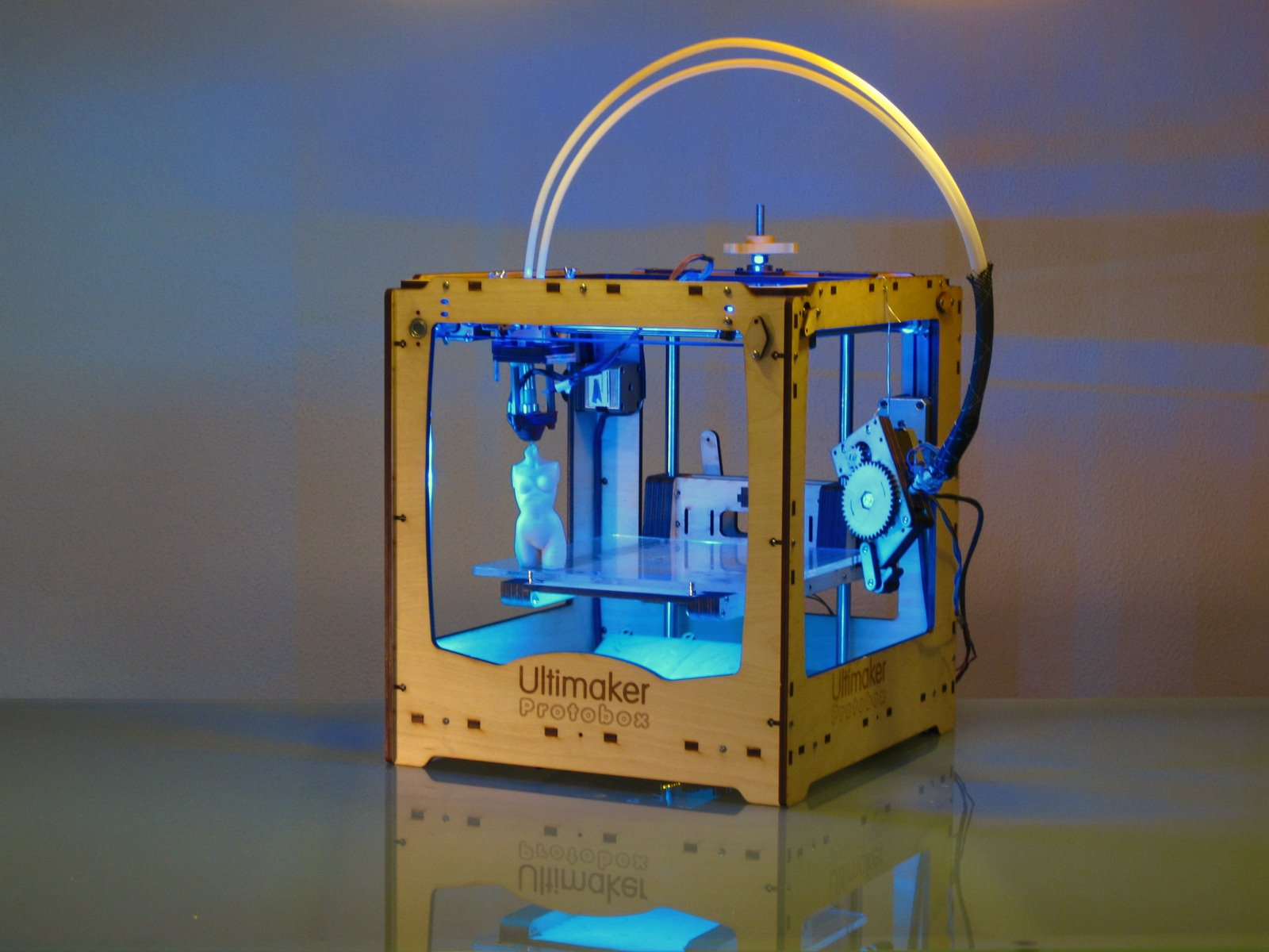 Wireless ultimaker 3d printer j j shortcut 39 s blog for Made with 3d printer